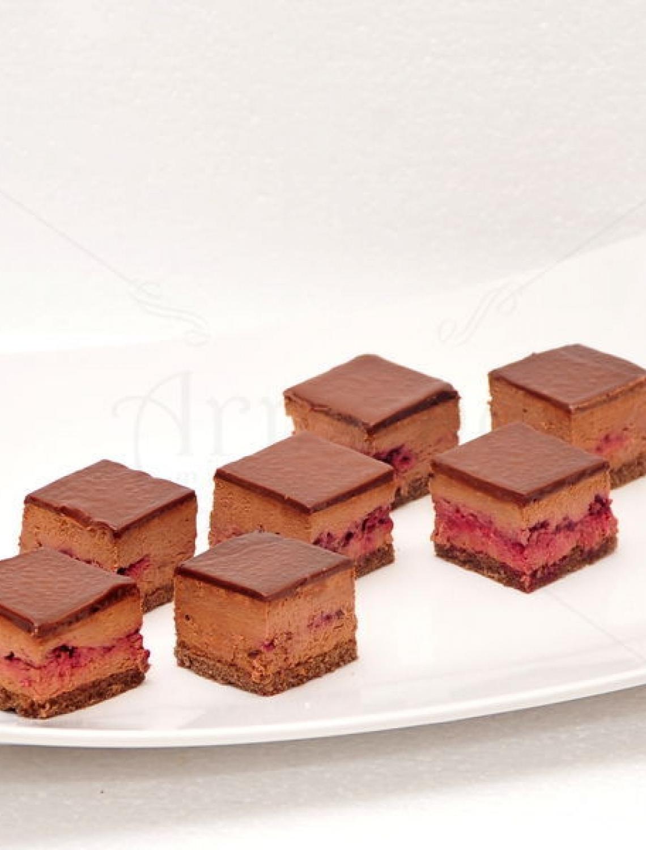 Mini Prajituri Chocolate Berry