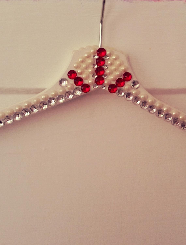 Umeras decorat cu cristale si perle pentru rochia de mireasa