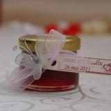 Marturii nunta borcanele dulceata trandafiri si fluturasi