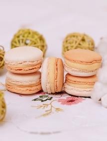 Macaron cu Flori de Portocal