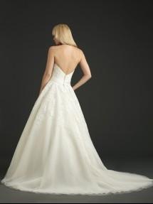 Allure Bridals model P969