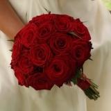 Buchet de mireasa din trandafiri rosii