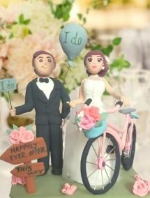 Figurina pentru tort shabby chic cu bicicleta