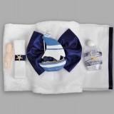 Trusou pentru botez cu barcuta albastra si fundita