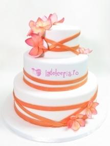 Tort de nunta cu flori