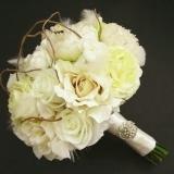 Buchet de mireasa din btrandafiri albi