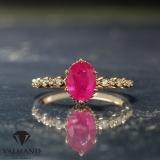 Inel din Aur cu rubin oval si diamante 616RbODi